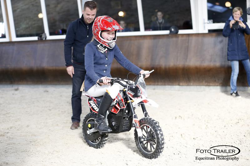 Klasse M cat. CDE pony's, Janneke Huttenhuis wint offroad brommer met Kellogs