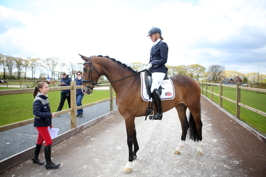 PSC outdoor dressuurwedstrijd, Wendy Scholten, paardensportcentrum Lichtenvoorde, ingrid huyink
